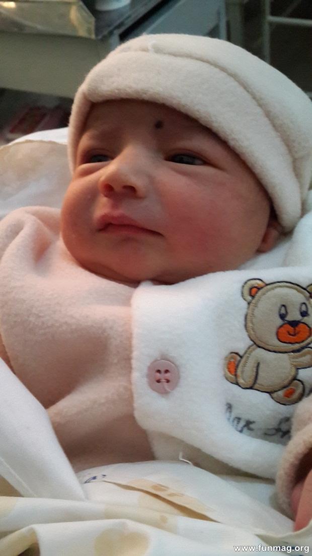 new-born-baby-aizab-31-photos- (13)
