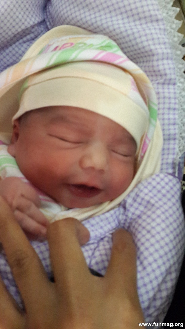 new-born-baby-aizab-31-photos- (5)