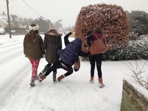 fun-with-snow- (22)