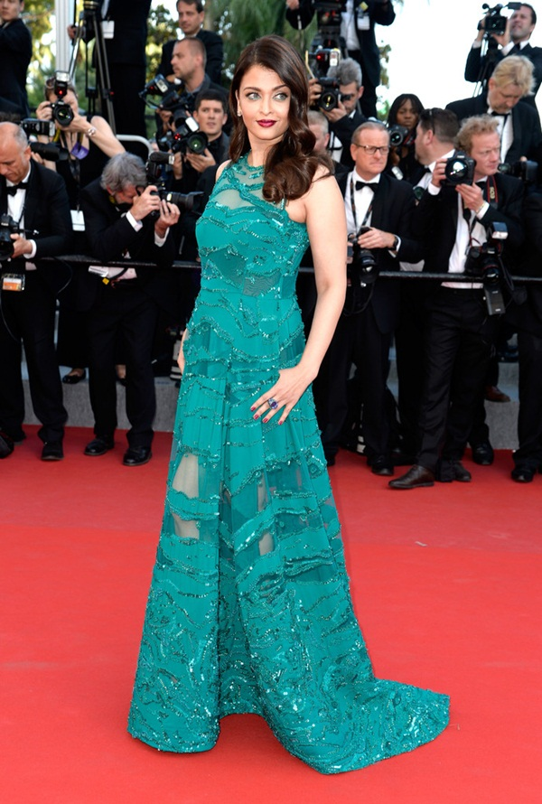 aishwarya-rai-at-cannes-premiere-of-carol-2015- (12)