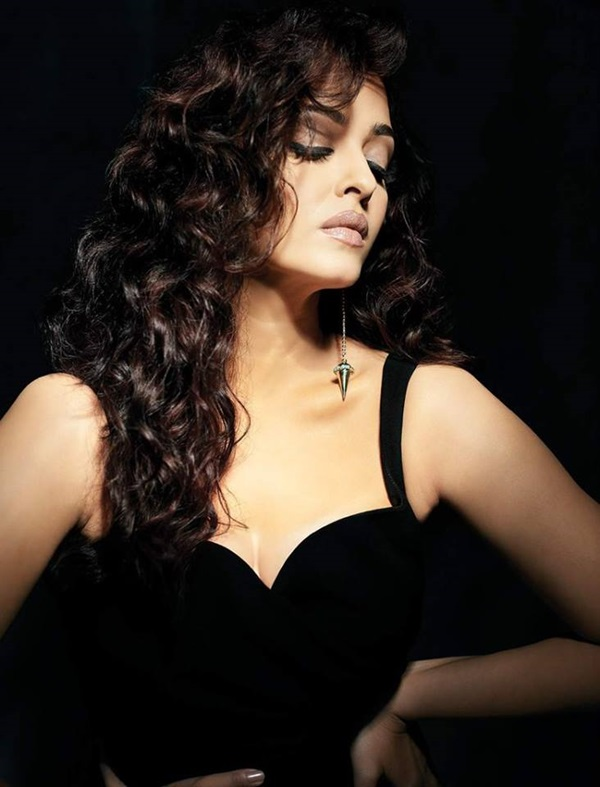 aishwarya-rai-photoshoot-for-filmfare-magazine-october-2015- (3)