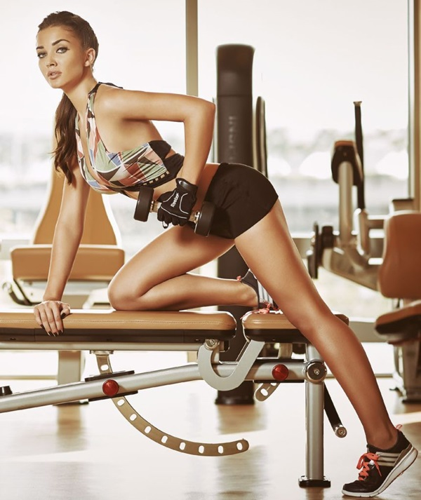 amy-jackson-photoshoot-for-fhm-magazine-october-2015- (4)