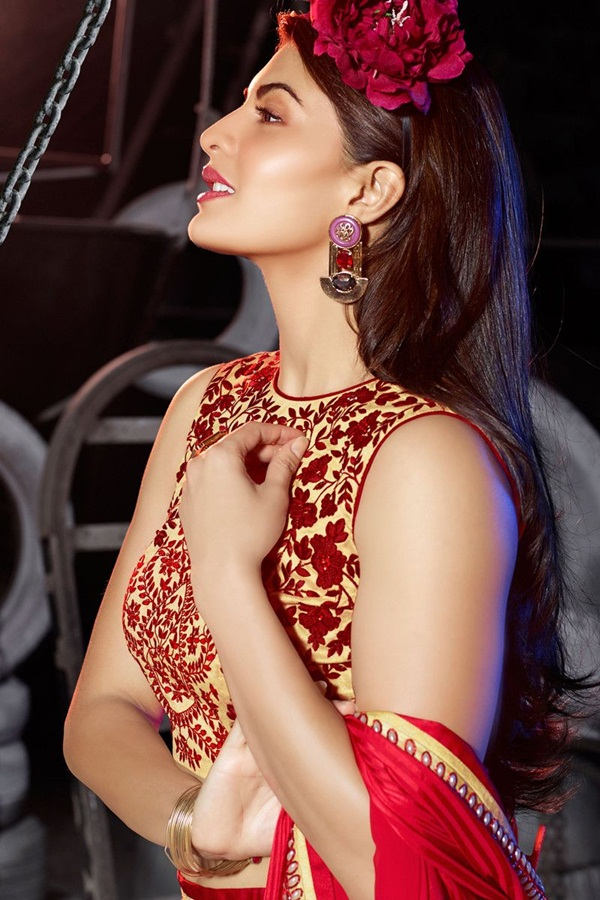 jacqueline-fernandez-saree-collection- (1) (24)