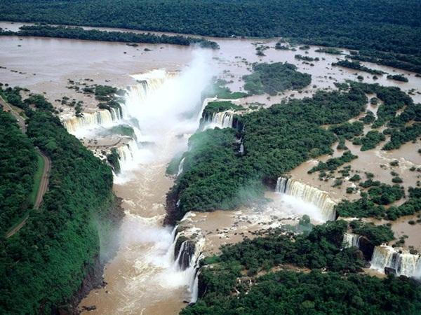 beautiful-waterfall-14-photos- (7)