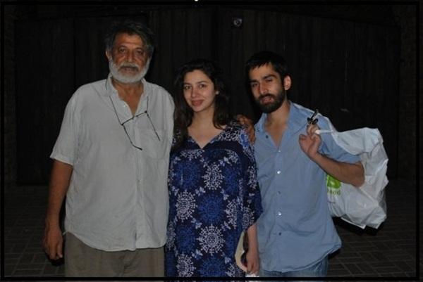 mahira-khan-family-photo-5