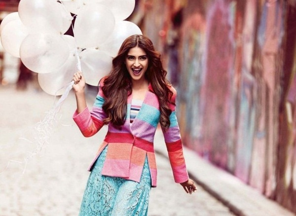 sonam-kapoor-photoshoot-for-vogue-magazine-december-2015- (1)