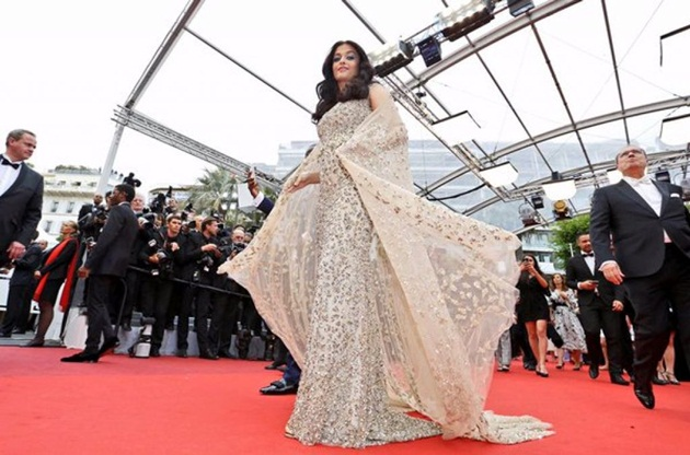 aishwarya-rai-in-cannes-2016- (17)
