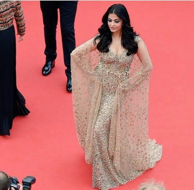 aishwarya-rai-in-cannes-2016- (21)