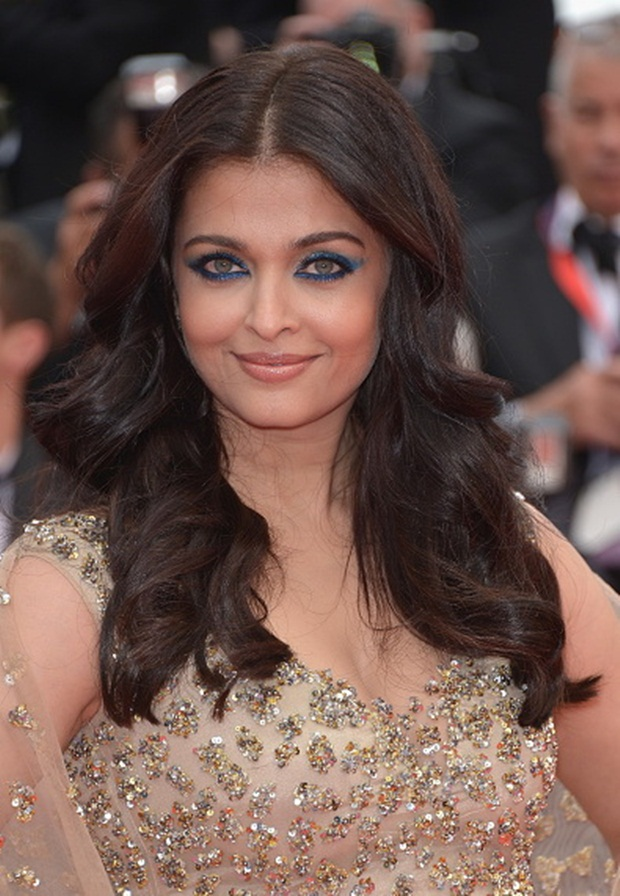 aishwarya-rai-in-cannes-2016- (35)