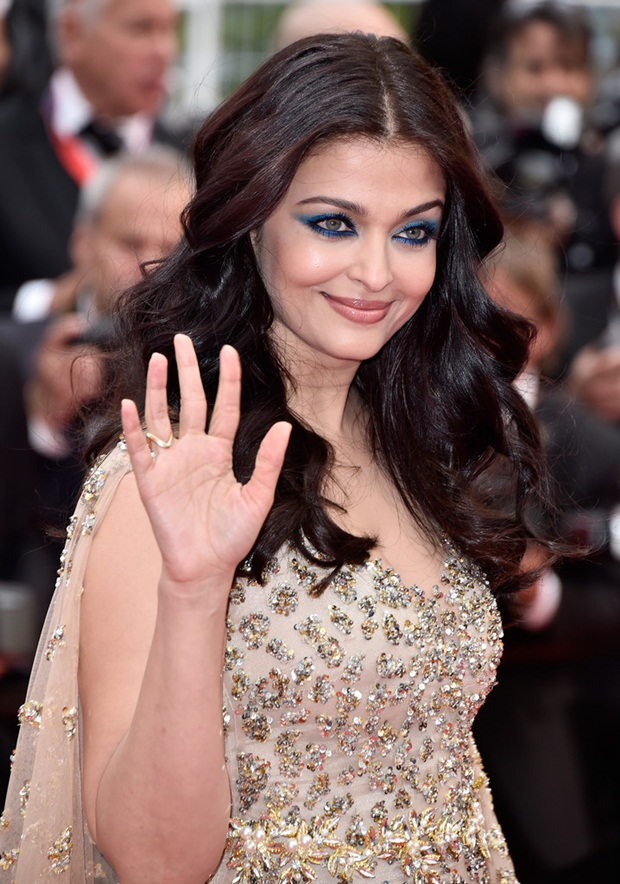 aishwarya-rai-in-cannes-2016- (7)