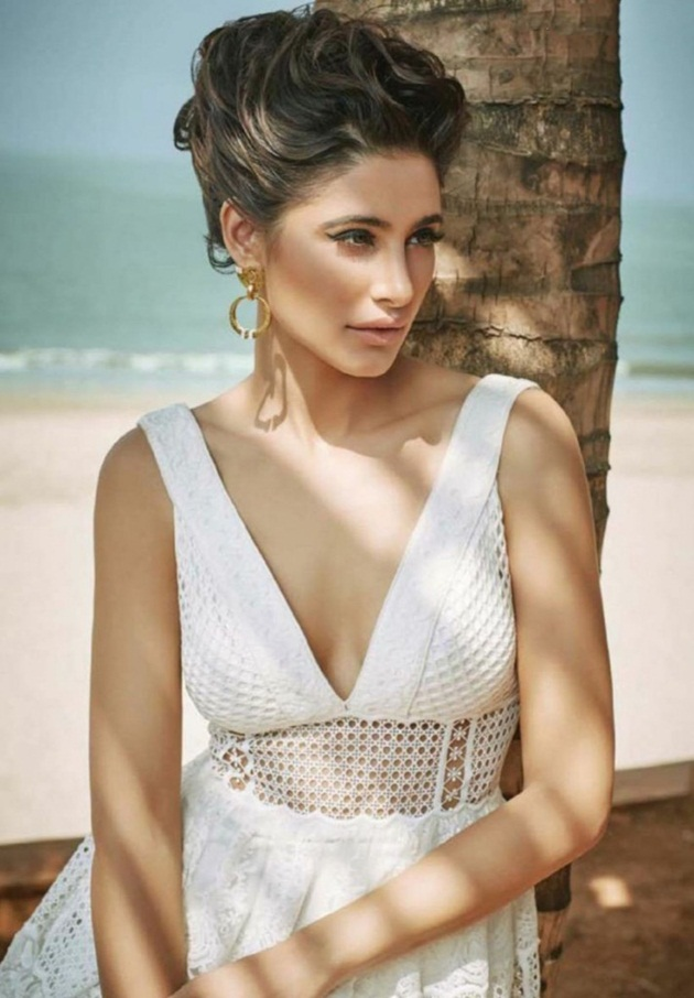 nargis-fakhri-photoshoot-for-femina-magazine-april-2016- (7)
