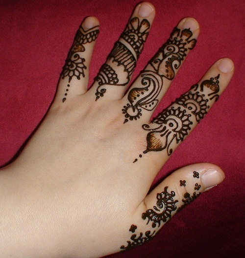 beautiful-mehndi-designs-for-fingers- (2)