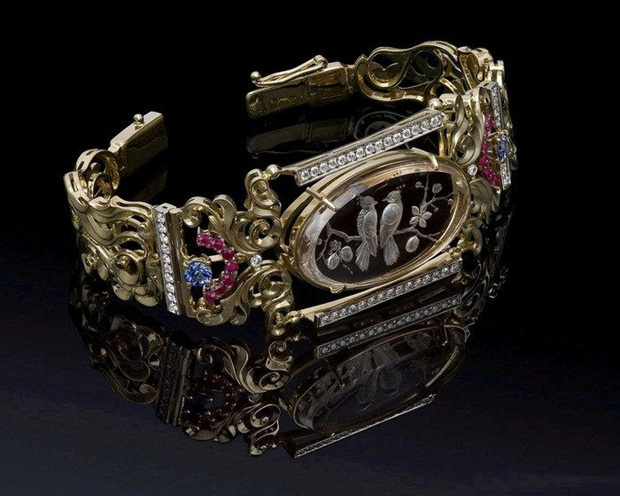 elegant-jewelry-with-precious-diamonds-and-stones- (24)