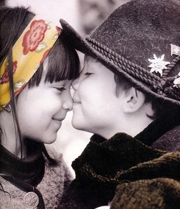 cute-babies-kisses- (7)