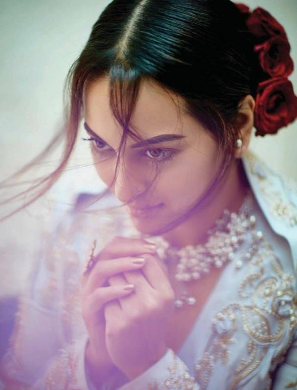 sonakshi-sinha-photoshoot-for-femina-magazine-december-2016- (4)