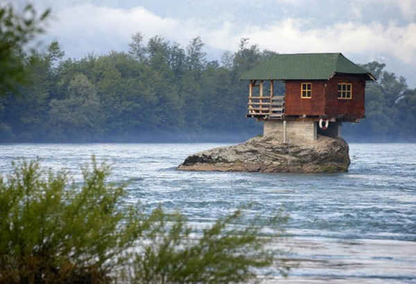 strange-homes-around-the-world- (20)