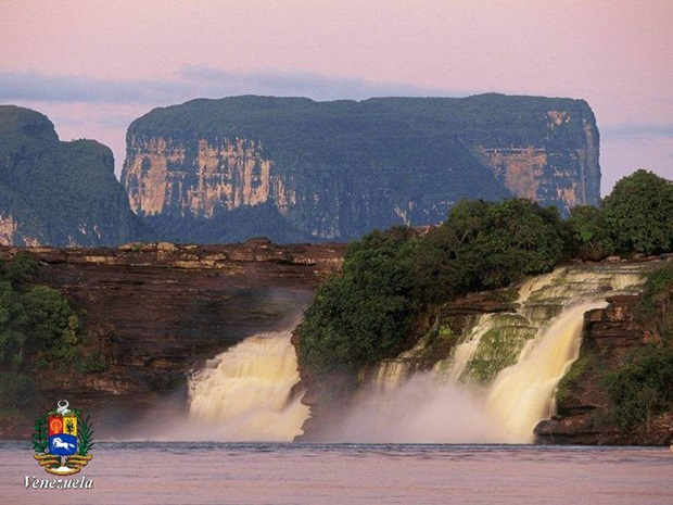 photos-of-beautiful-waterfalls-around-the-world- (26)