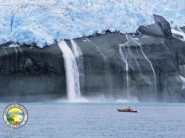 photos-of-beautiful-waterfalls-around-the-world- (28)
