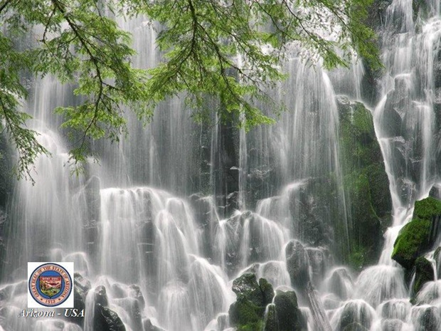 photos-of-beautiful-waterfalls-around-the-world- (29)