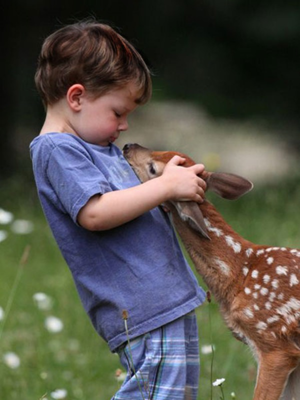 pictures-of-children-and-animals- (29)