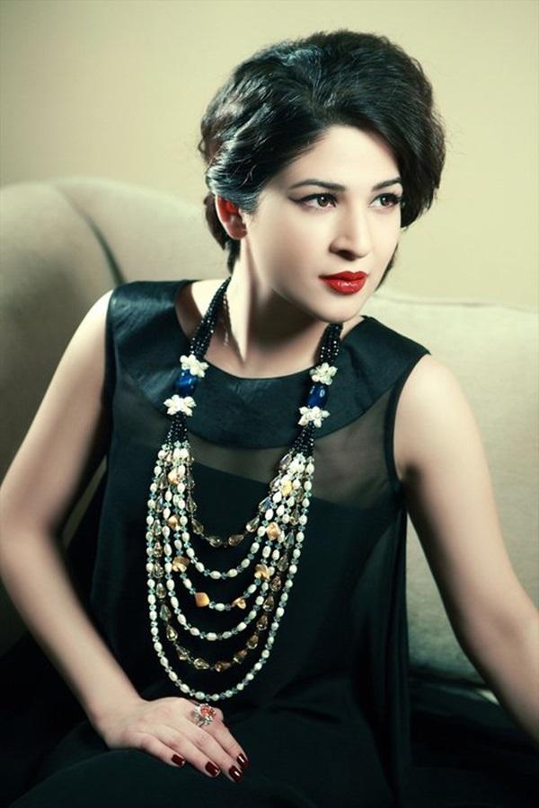 ayesha-omer-fashion-jewelry-photoshoot- (3)
