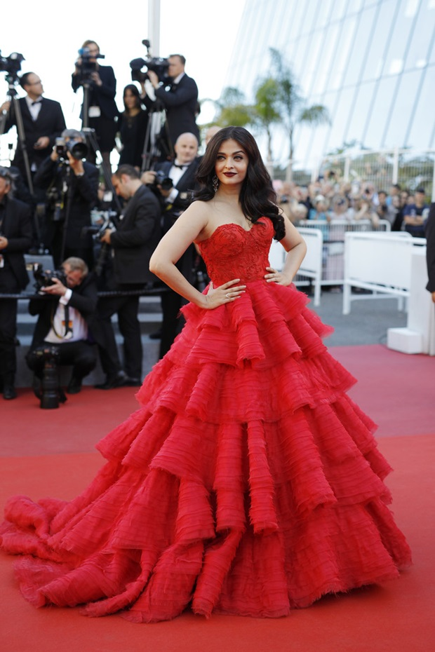 aishwarya-rai-in-red-gown-at-cannes-film-festival-2017- (10)