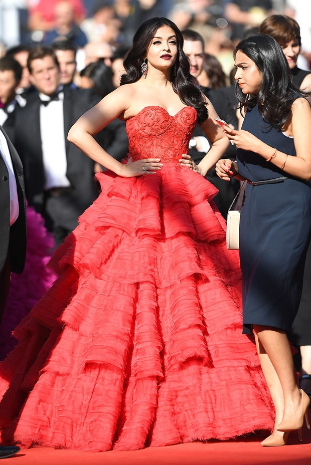 aishwarya-rai-in-red-gown-at-cannes-film-festival-2017- (7)