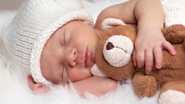 baby-hug-photos- (5)
