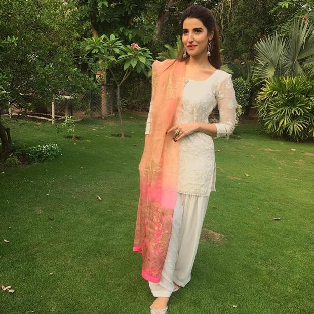 beautiful-pakistani-actress-hareem-farooq-photos- (20)