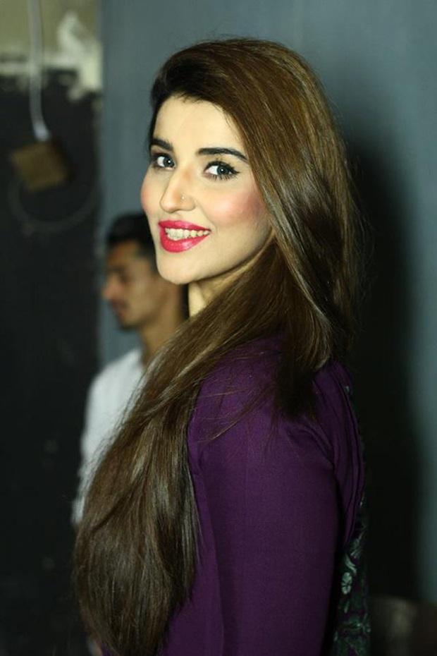 beautiful-pakistani-actress-hareem-farooq-photos- (21)