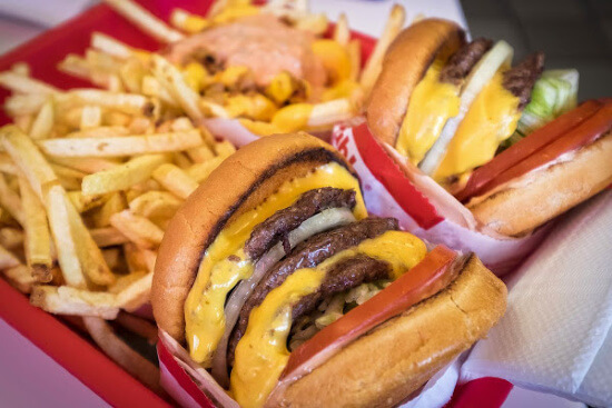 3 of the BEST BURGERS in Fast Food