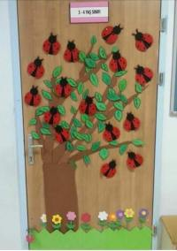 ladybug spring door decoration  Preschool and Homeschool