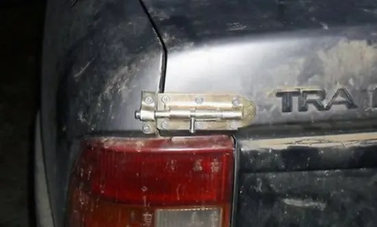 Redneck trunk lock