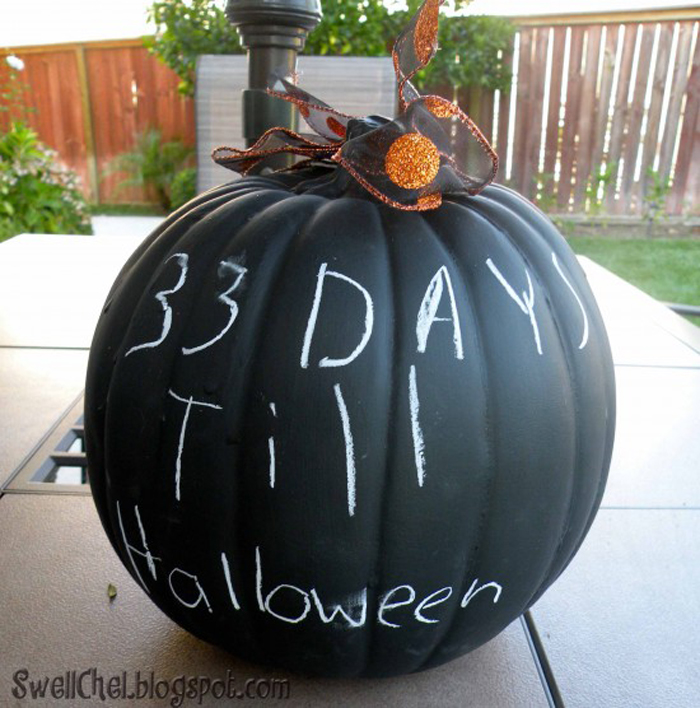 How to Make Chalkboard Paint Pumpkins - Easy and Cute Halloween Craft