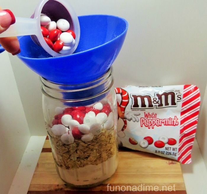 white peppermint M&M mason jar cookies