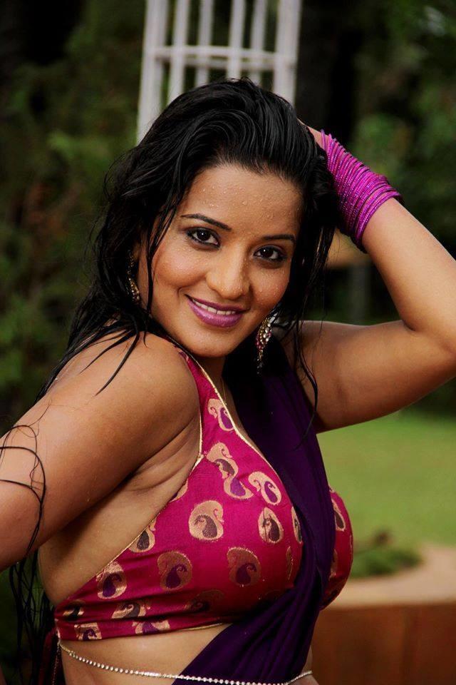 Saree Wali Girl Wallpaper Bhojpuri Bombshell Monalisa Hot Hd Photos Bold Bikini