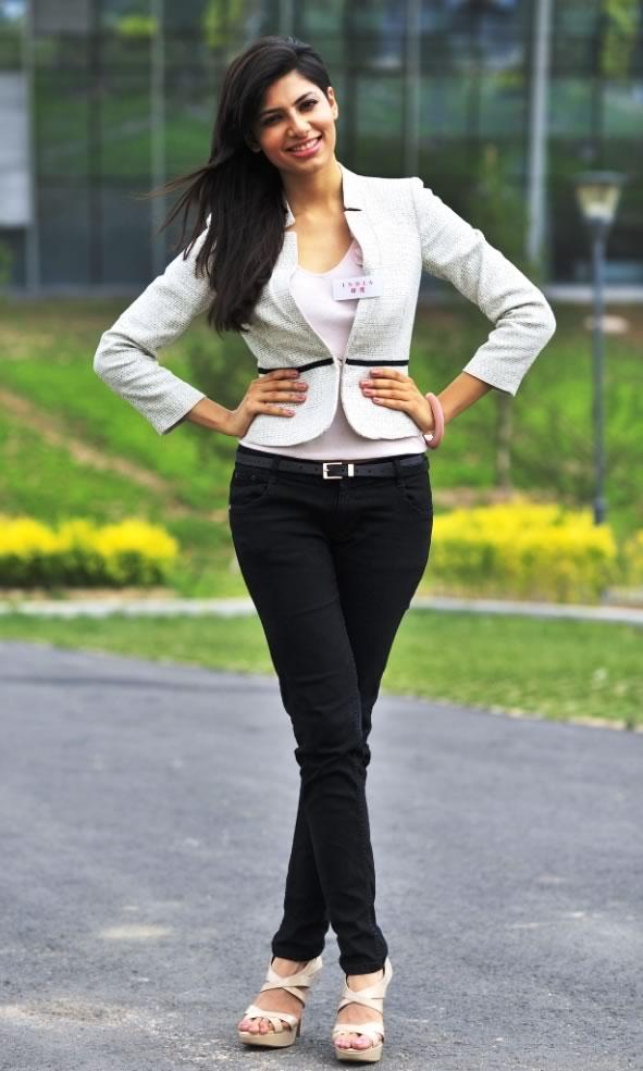 Hollywood Beautiful Girl Hd Wallpaper Sizzling Hot Amp Sexy Photos Of Vanya Mishra Miss India