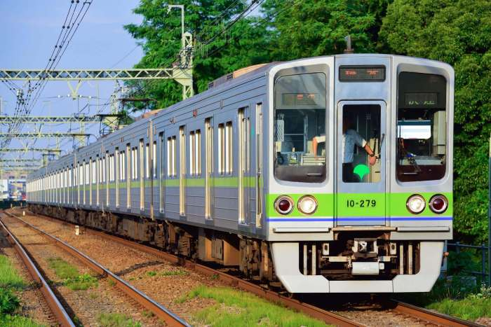 Toei_Subway_10-000_series_8th-batch_set_20170616