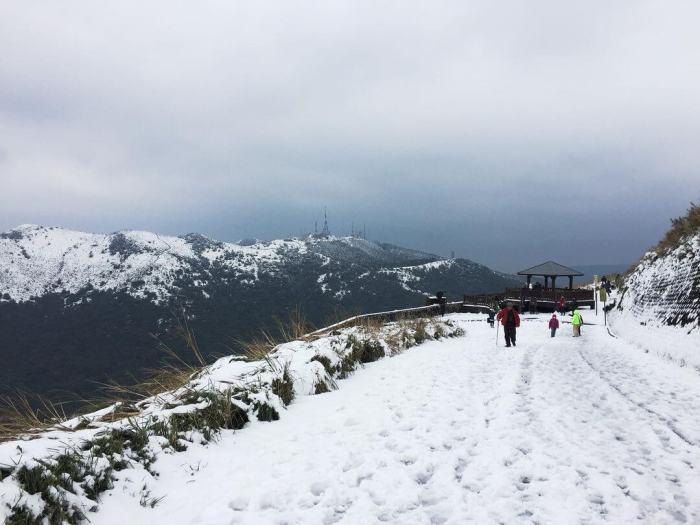大屯山雪景