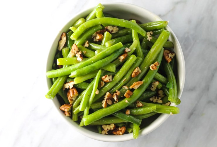 Sweet and tangy, these Low FODMAP Green Beans with Pecans are a scrumptious side dish. Pair with a grilled chicken breast, sirloin or your favorite lean protein.