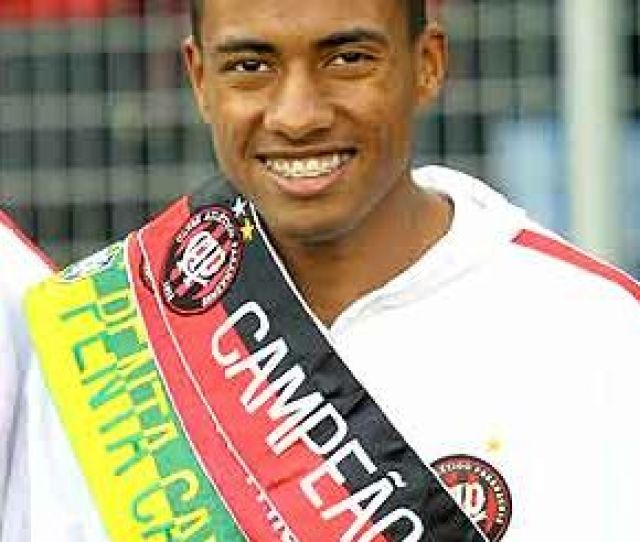 Kleberson Fez Historia No Futebol Paranaense Foto Arquivo