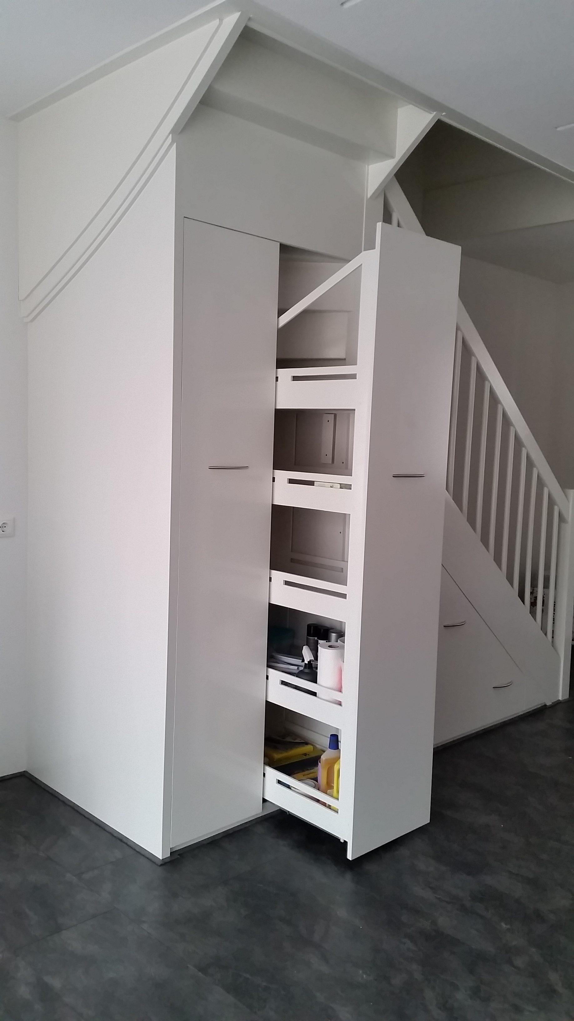 5 delige inbouwkast onder trap – Furbouw