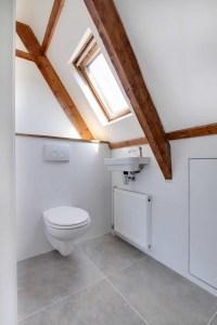 Nieuw toilet boven