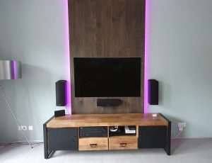 TV wand meubel verouderd eiken, andere front view