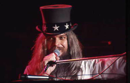 https://i0.wp.com/www.furious.com/perfect/graphics/leonrussell-1973.jpg?w=474