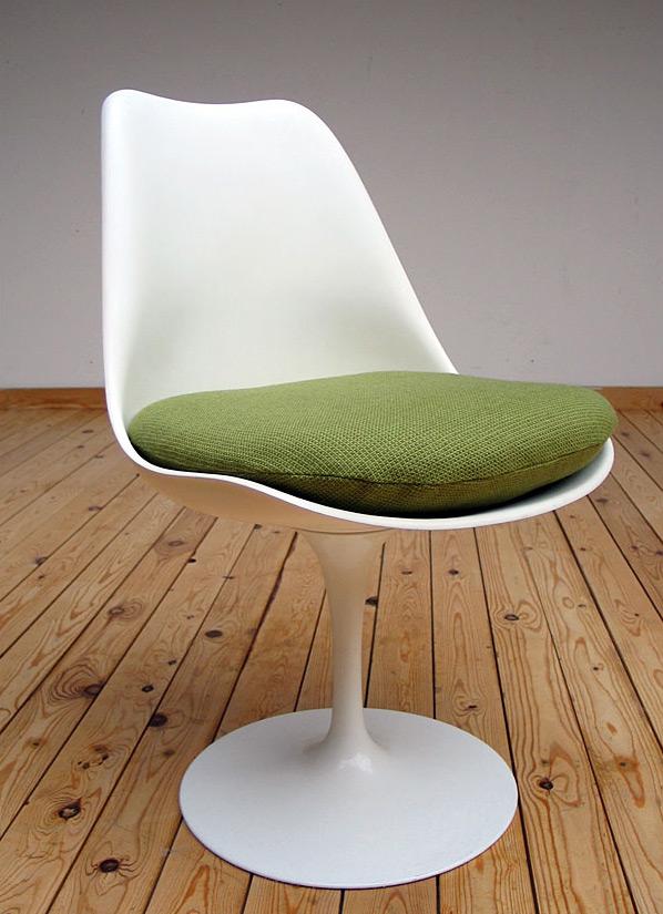 Eero Saarinen Tulip Chair 1957 Knoll international