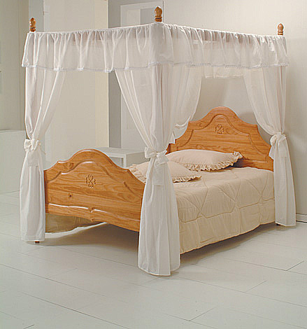 veneza four poster king size bed only