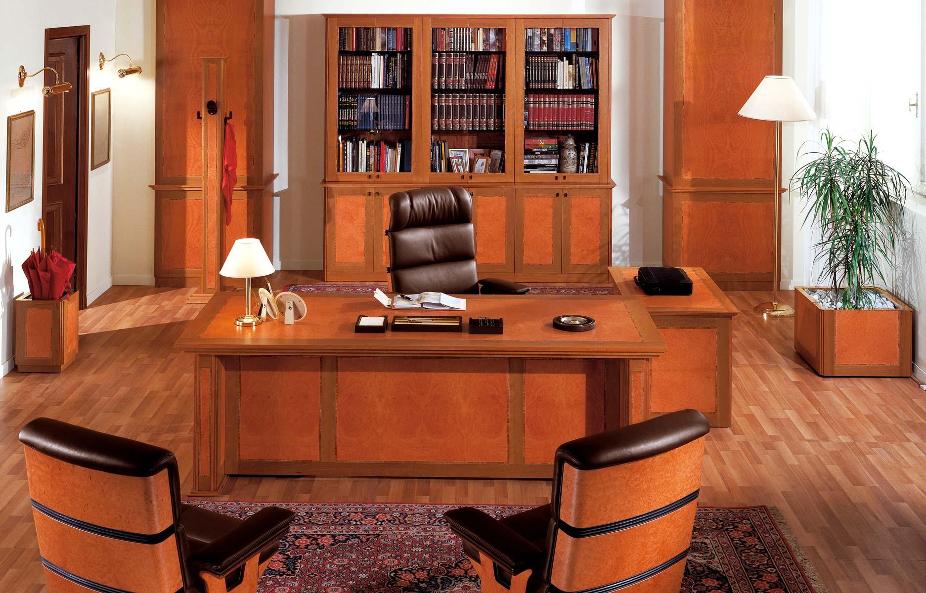 Scopri il vasto catalogo di arredo classico per l'ufficio e per la camera da letto, scrivanie, tavoli in arte povera, sedie, poltrone per ufficio, sgabelli per. Uffici Dirigenziali E Presidenziali Di Lusso R A Mobili