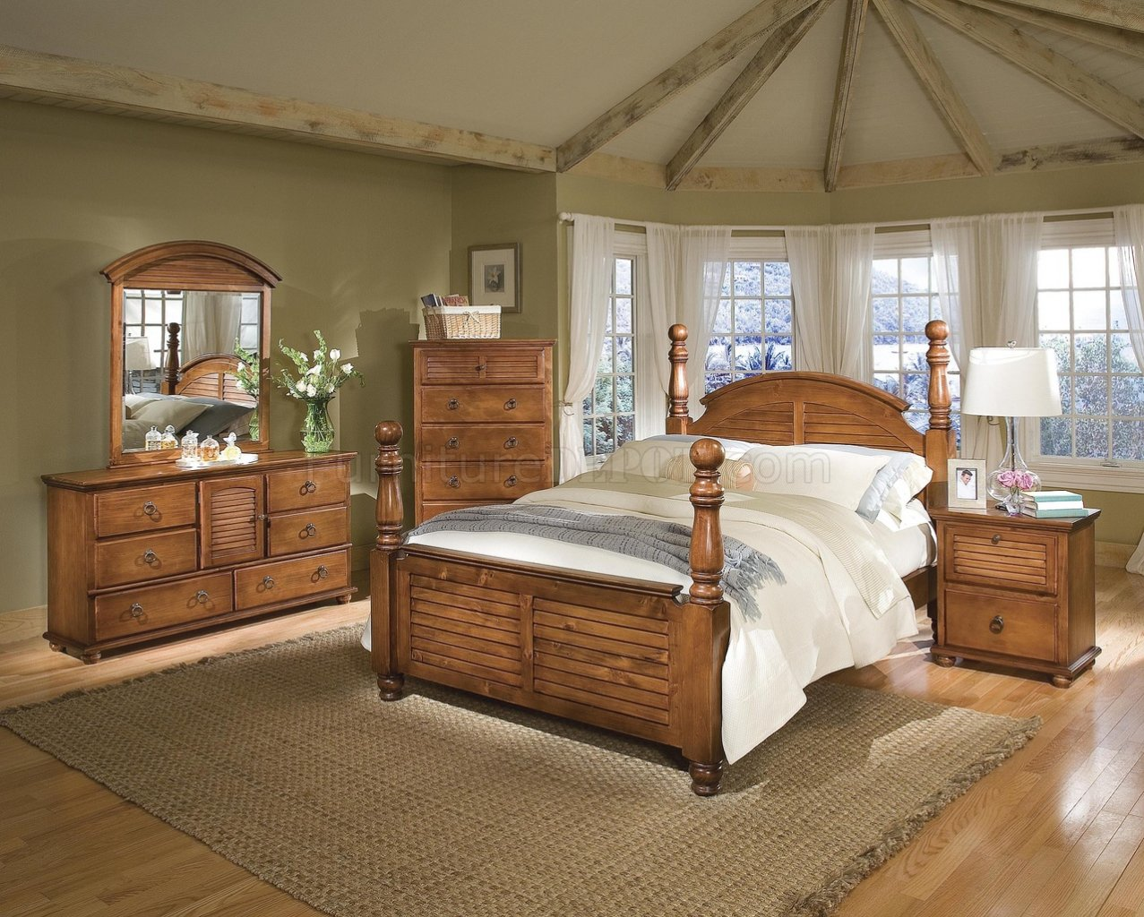Dark Pine Finish Contemporary Bedroom wCannonball Panel Bed