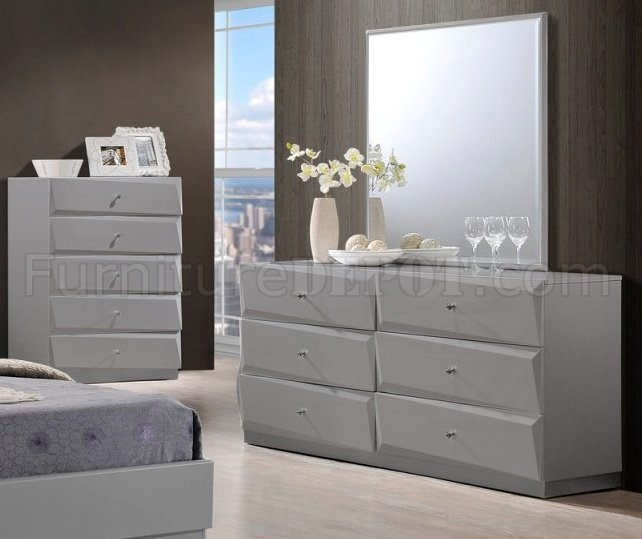 Barcelona Bedroom Set In Grey By Global